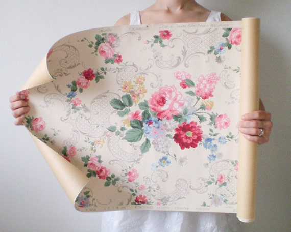 Vintage Wallpaper Roll - Ca. 1930s / 1940s Feminine Floral - Sears Color-Perfect Brand
