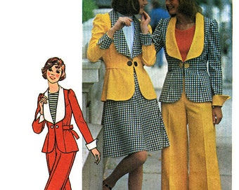 Simplicity 6767 Vintage 70s Sewing Pattern for Misses' Jacket, Short Skirt and Pants - Uncut - Size 8 - Bust 31.5