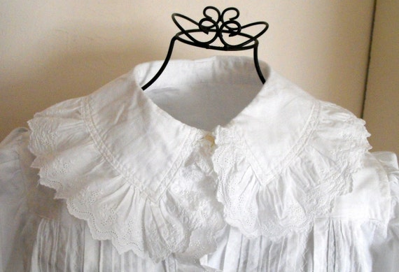 Vintage French Nightgown Old-Fashioned Granny Gown Wonderful Gift