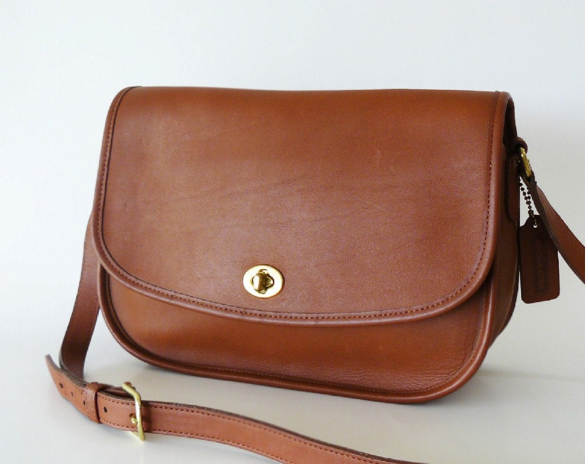 Reserved Vintage Coach British Tan Leather City Bag