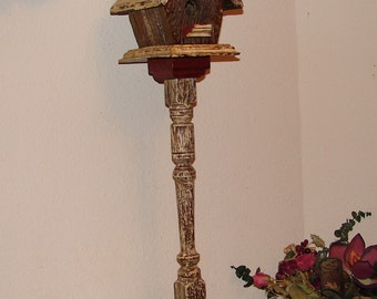 BH003 Rustic Antique White and Red Birdhouse on Pedestal