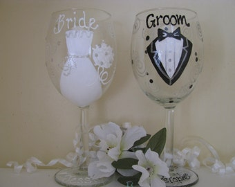 Bride and GroomA Pair of Hand painted Wedding Wine Glasses Personalized Glass