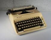 Remington Typewriter Ten Forty with Case
