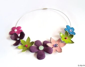 Leather Flower Necklace, Floral Necklace, Beaded Necklace, Purple, Green, Blue, Pink, Nature Jewelry, Leather Choker, Colorful Jewelry