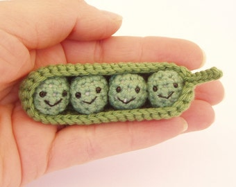 Four peas in a pod crochet amigurumi