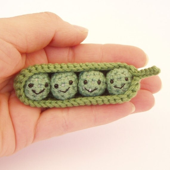 Four peas in a pod crochet amigurumi