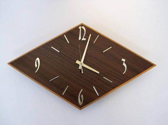 Diamond Design Wall Clock : Vintage wall clock diamond shape