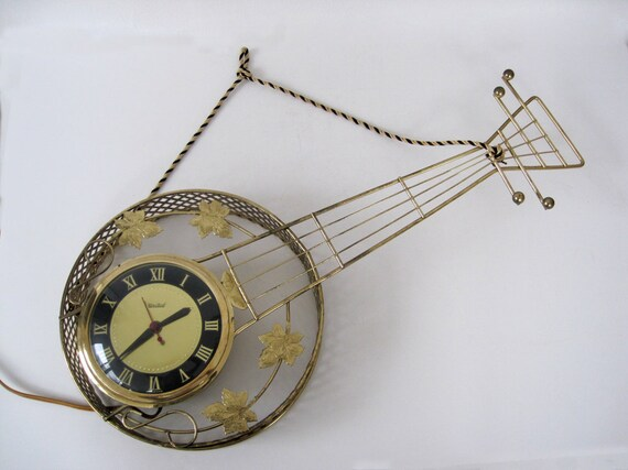 Vintage Wall Clock Guitar Banjo Electric United Gold