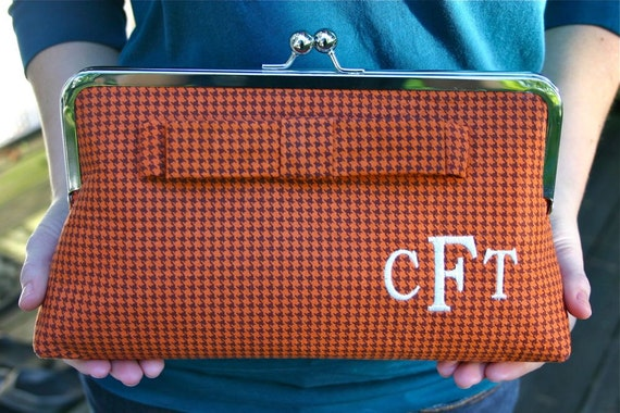Monogrammed Clutch in Houndstooth - Flat Bow