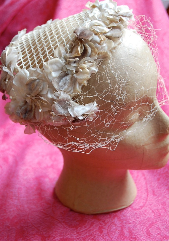 1940's/50's Cream Flowered Fascinator with Netted Half Veil