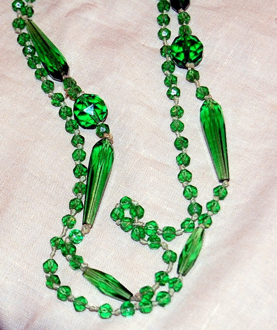 "1920's Flapper Necklace  ""Midnight in Paris"" Absinthe Green Glass"