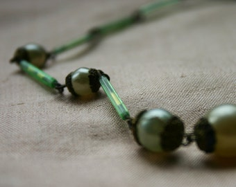Vintage Pearl Necklace with Green Bugle beads 1920s
