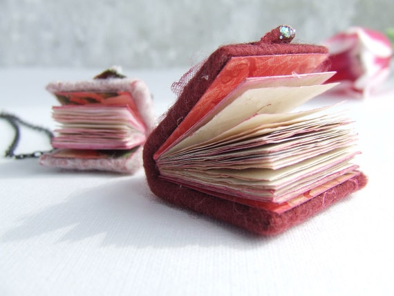 Mini books floral necklace journal jewelry. boho felted mini felt notebook, shabby chic paper oht OOAK summer ombre trend pink flowers