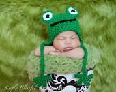 PDF Instant Download Easy Crochet Pattern No 244 Little Frog Chunky Yarn photo prop sizes preemie, newborn. 0-3, 3-6 months