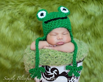 PDF Instant Download Easy Crochet Pattern No 244 Little Frog Chunky Yarn photo prop sizes preemie, newborn. 0-3, 3-6 months