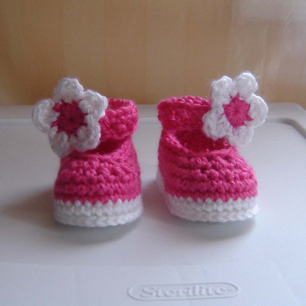 PDF Instant Download Crochet Pattern No 090 Pink Baby Shoes
