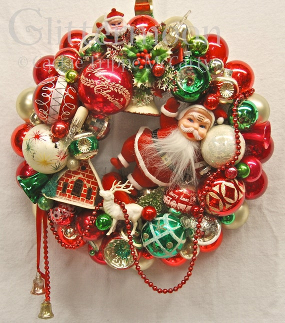 Vintage Ornament Wreath SANTA'S GREETING with storage bag
