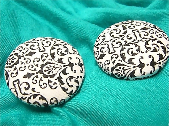 Tipsy - Button Earrings