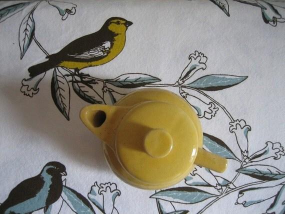 Vintage Salada Individual Yellow Ware Teapot Advertising USA McCoy
