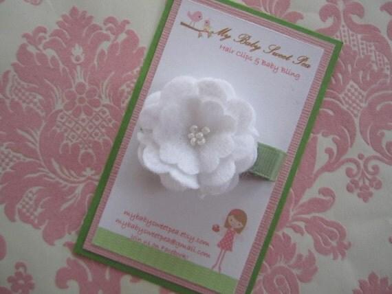 Girl hair clips - girl barrettes - baby hair clips - flower hair clips