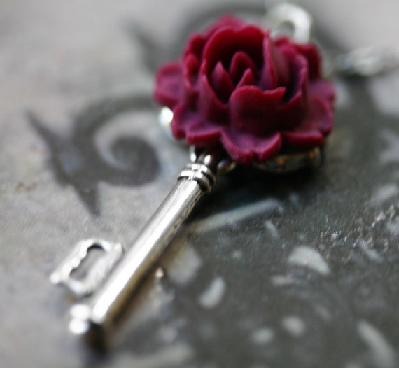 Neo Victorian Red Rose Skeleton Key Necklace