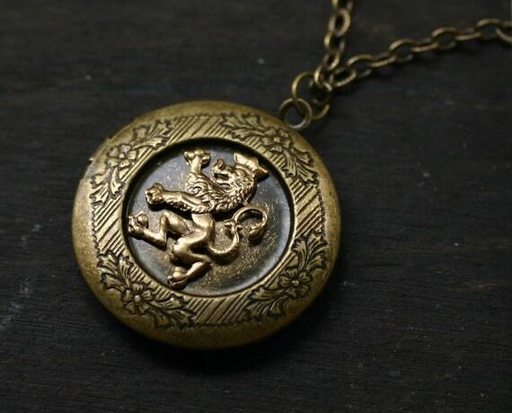 Scottish Rampant Lion Locket - Game of Thrones