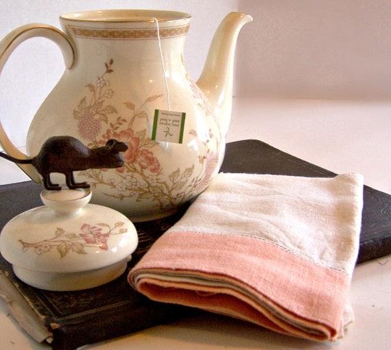 Vintage Linen Peach and Cream Towel / Tea Towel