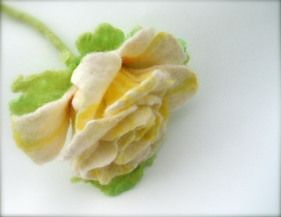 Felt brooch Yellow-White  Rose/ ready to ship