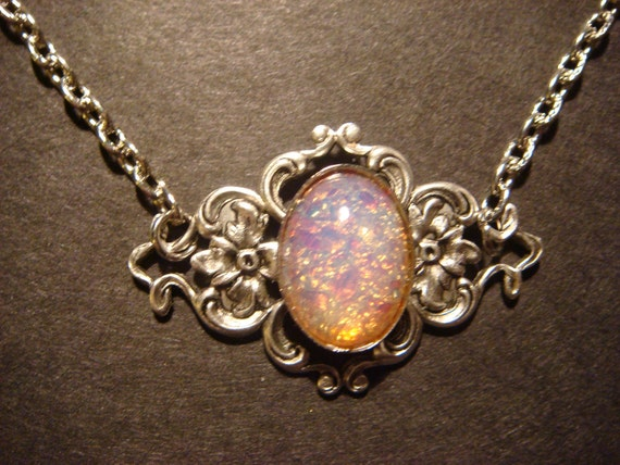 Victorian Style Fire Opal on Floral Setting Necklace in Antique Silver (452)