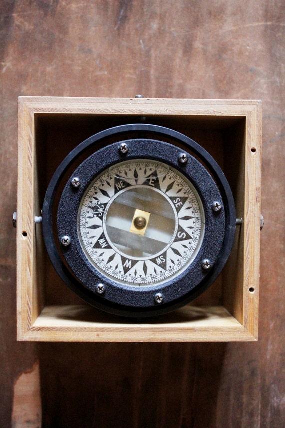 Antique 40s/50's Dirigo Mariner's Nautical Compass in wooden box