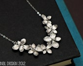 Bridesmaid Jewelry, Flower Necklace Silver, Bridal Jewelry, Maid of Honor, MothersJewelry, Hydrangea Flower