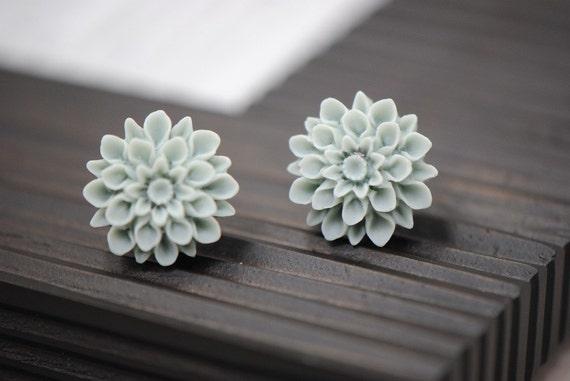 MUM Earrings - Light Blue, Cornflower Blue, Grey Blue Flower Chrysanthemum Stud Earrings
