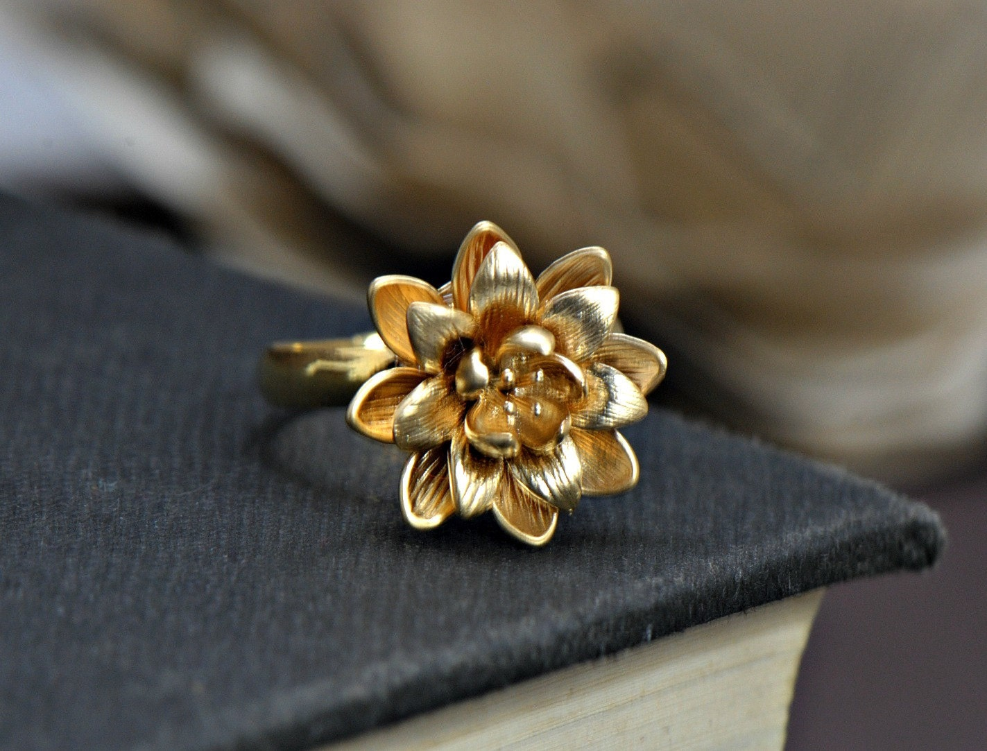 lotus ring silver flower ring gold ring bridesmaids gifts. Black Bedroom Furniture Sets. Home Design Ideas