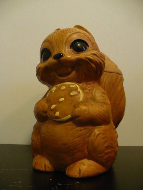 twin winton squirrel cookie jar