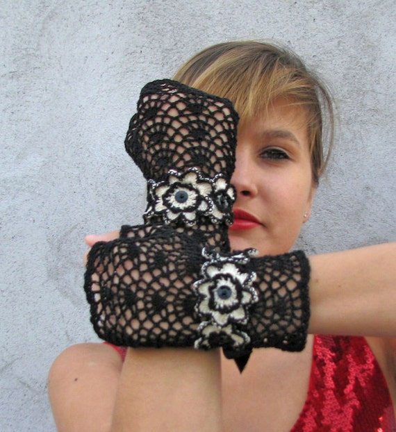 Gloves Mittens  Women Accessories short elegant BLACK with IVORY crochet flowers fingerless gloves