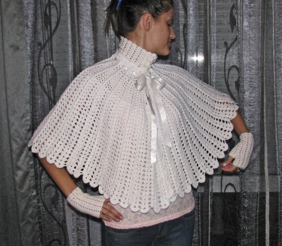 vintage Matching CAPE/poncho and fingerless gloves