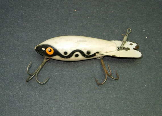 Vintage large wooden bomber fishing lure for Antique wooden fishing lures