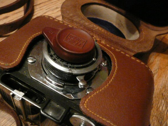 Vintage Argus Camera with Great Original Leather Case