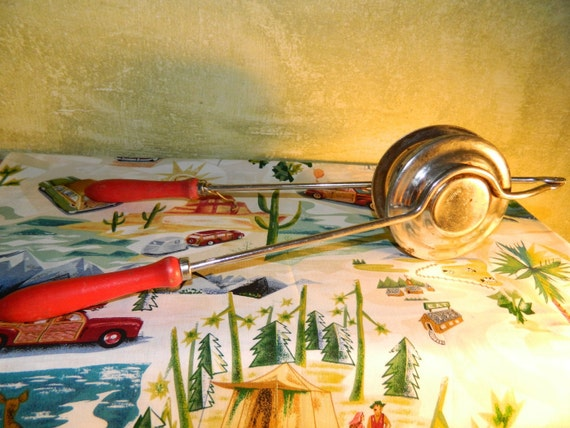 Vintage Camping with a Nevco Fireside Sandwich Maker