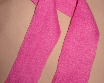 Bright pink fleece fringed scarf for 18 inch Dolls - ag52