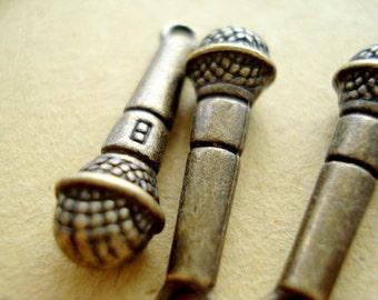 10pcs MICROPHONE  Anitqued Bronze/ Charms Pendant Drop B368