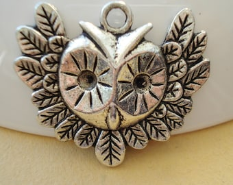 4pcs OWL Antiqued Pewter Charms/Pendant 35x30mm B-424