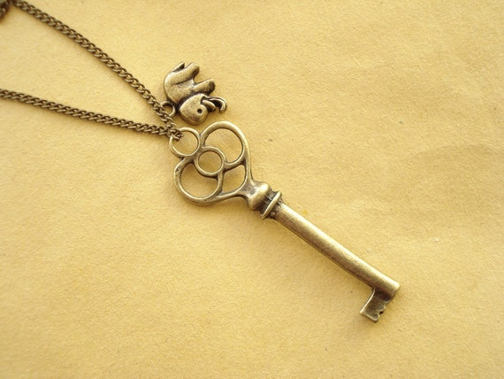 Small Elephant and Key Necklace  (NC-95)