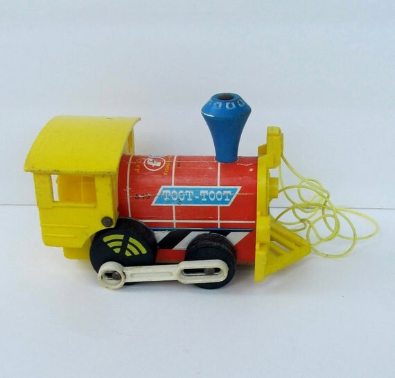 Vintage 1964 FISHER PRICE Wooden Train Pull Toy 643