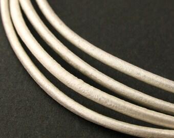 LRD0120041) 2.0mm Pearl Genuine Metallic Round Leather Cord.   1 meter, 3 meters, 5 meters, 10 meters. Length Available.