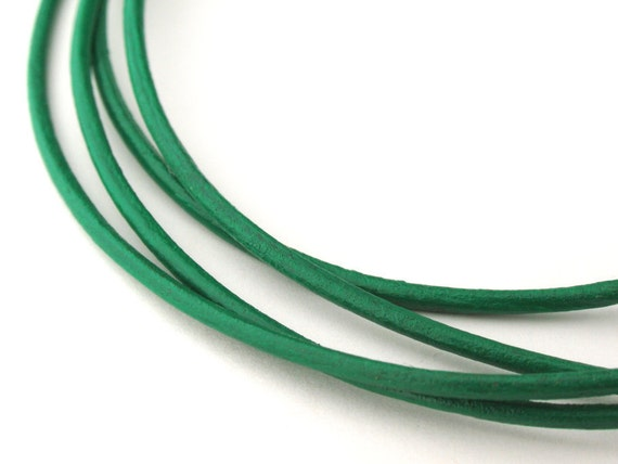 LRD0115014) 1 meter of 1.5mm Light Green Round Leather Cord
