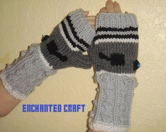 Tardis Gloves Knitting Pattern : Items similar to Illusion TarDis style police box fingerless gloves for Docto...