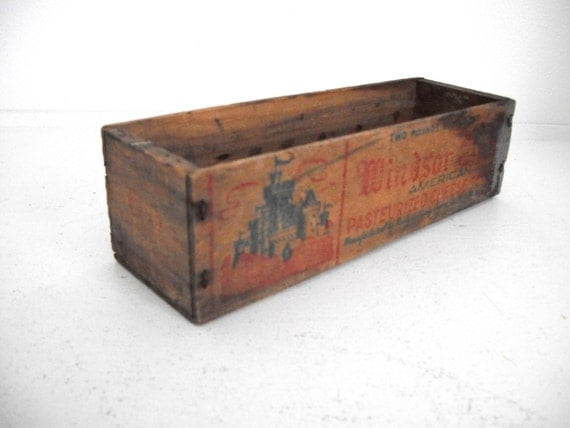 Vintage Cheese Box- Windsor Club