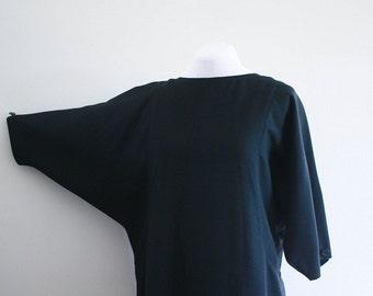 SALE - vintage 1980's black batwing dress | xl/1X