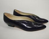 Vintage Deep Purple Pointy Toe Vamp Pumps Size 9 N